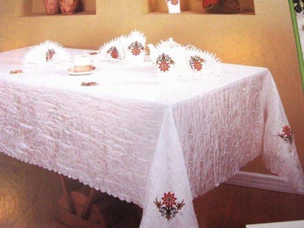 מפת שולחן ומפיות